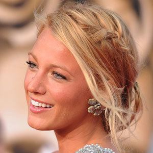 CELEB HAIR TRENDS: Blake Lively goes back to blonde hair