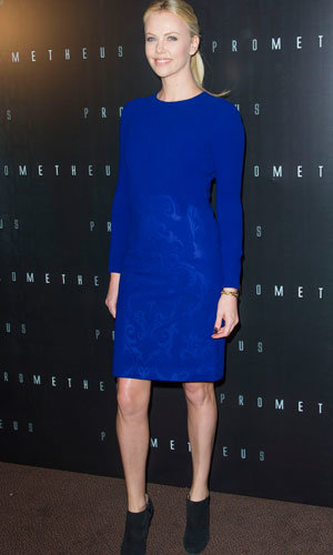 Charlize Theron hits Prometheus photocall alongside Michael Fassbender