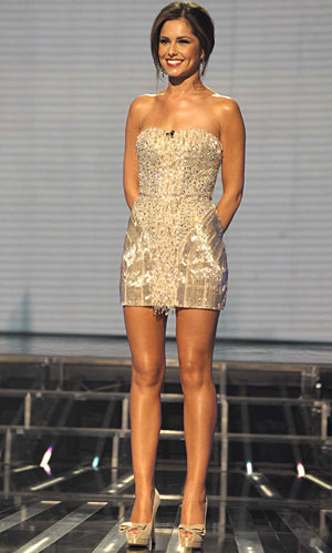 Cheryl Cole heading for top spot in the charts