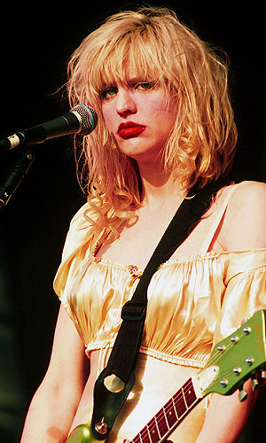 OMG is Courtney Love the next blogging sensation?