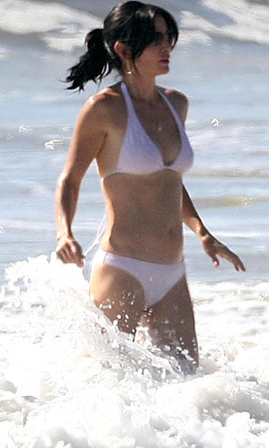 SEE Courteney Cox's amazing bikini body
