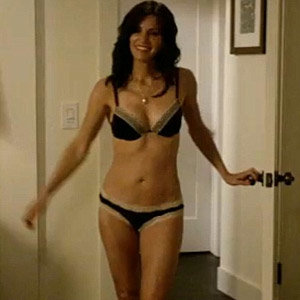 PICS: Courteney Cox strips to her underwear for new TV show