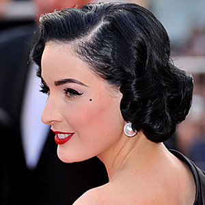 How to wave hair like a vintage queen