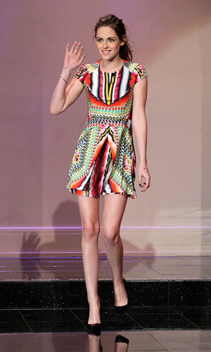 Kristen Stewart is pretty in Peter Pilotto for Twilight chat on Jay Leno show