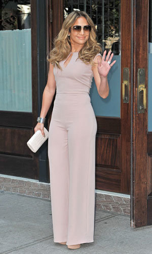 Jennifer Lopez works four hot outfits in one day!