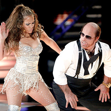 VIDEO: Tom Cruise performs hilarious hip-hop routine with Jennifer Lopez