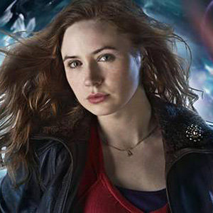 Get the Look: Dr Who's Amy Pond rocks a name necklace