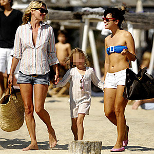 Lily Allen joins Kate Moss on holiday!