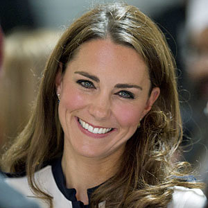 Kate Middleton goes on a Topshop shopping spree!