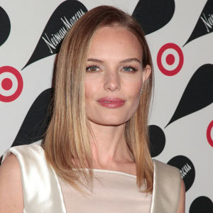 Kate Bosworth works a simple but oh-so chic party look