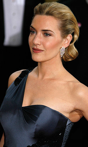 Kate Winslet and Michelle Obama named 2009's best dressed