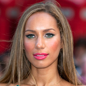 Leona Lewis tweets about her beauty must have!