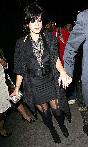 Lily Allen vamps it up in sexy hosiery