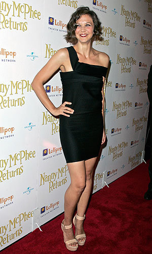 Maggie Gyllenhaal wows at the Nanny McPhee Returns premiere in NYC