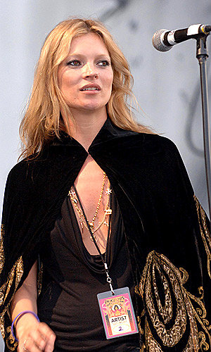 Kate Moss to launch singing career