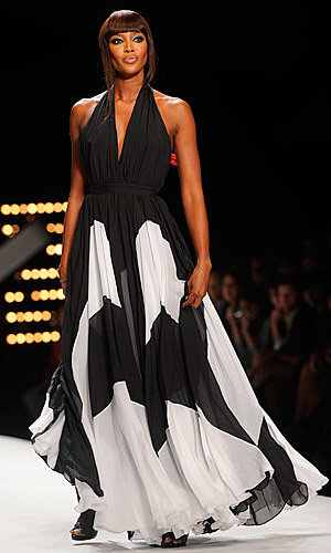 Naomi Campbell takes the catwalk by storm once more