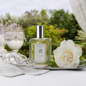 HOT PRODUCT OF THE DAY: Jo Malone's White Tie & Tiara 2010