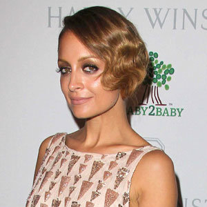 Short hairstyle inspiration: Nicole Richie's finger-waves