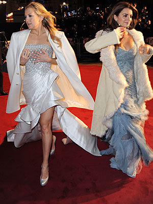 Penelope Cruz and Kate Hudson light up Leicester Square