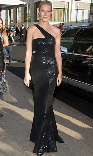 The CFDA Awards 2010: Stars including Gwyneth and SJP dazzle at fashion Oscars