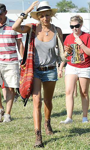 Glastonbury Festival 2010: See Kate Moss, Sienna Miller, Alexa Chung and - more!