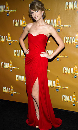Taylor Swift and a host of country stars dazzle at the CMA Awards
