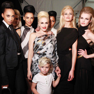 Gwen Stefani closes her latest LAMB show with the help of son Kingston