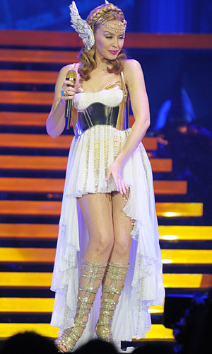 InStyle parties with Kylie Minogue on her wow-worthy Aphrodite tour!