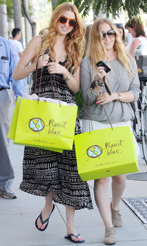 Whitney Port hits the stores with her sister!
