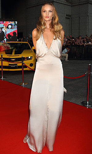 Rosie Huntington-Whiteley wows in Chloe at Transformers premiere