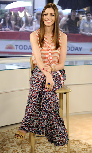 Anne Hathaway nails 70s prints on Today Show