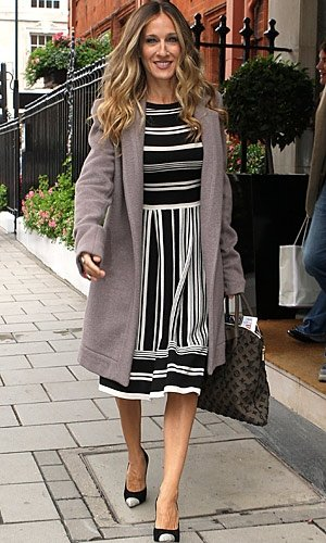 Sarah Jessica Parker does feminine chic in London