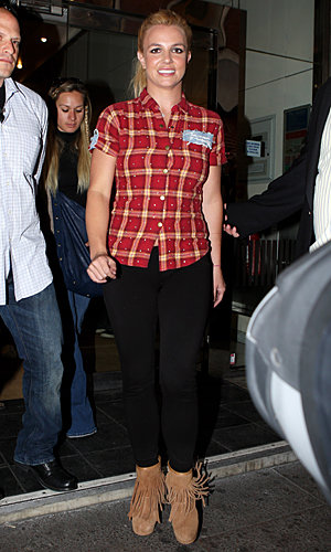 SPOTTED: Britney Spears hits London!