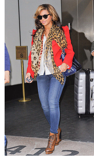 SPOTTED: Beyonce goes bright in New York!