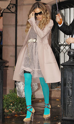 WOW! Sarah Jessica Parker goes vivid in Valentino with turquoise tights