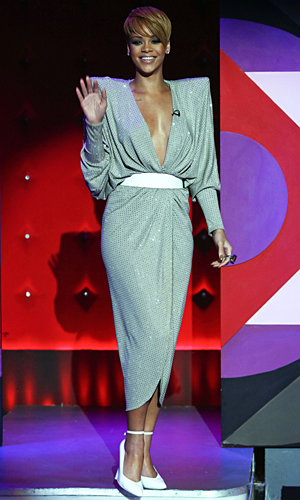 Rihanna shows off her style on Jonathan Ross