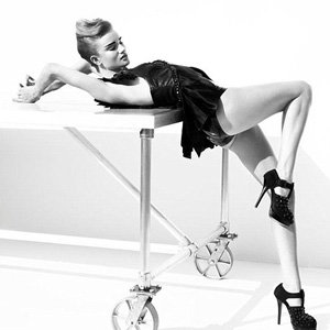 Rosie Huntington-Whiteley bares all in new ad campaign!