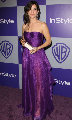 WOW! Sandra Bullock returns to Golden Globes 2011... as a presenter!