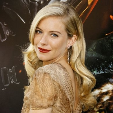 How to copy Sienna Miller's Old Hollywood waves