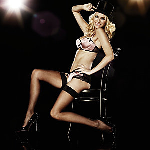 Tess Daly is face of La Senza lingerie Christmas campaign