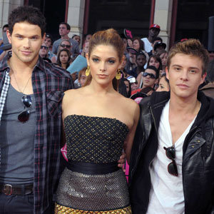 Twilight stars are dressed to impress at the MuchMusic Video Awards