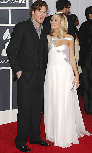 Carrie Underwood and Mike Fisher marry