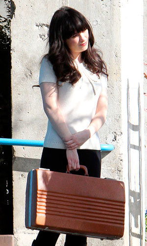 SPOTTED: Zooey Deschanel on set of New Girl!