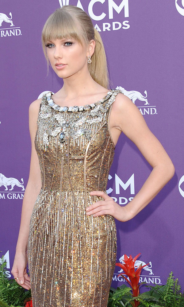 Taylor Swift leads 2013 Billboard Music Awards nominations