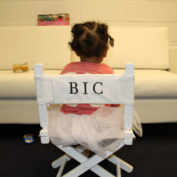 Beyonce shares adorable snap of Blue Ivy playing the diva!