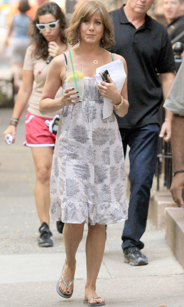 Off-duty chic: Jennifer Aniston new on-set images