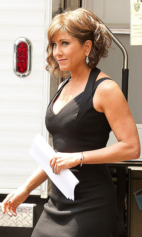 Jennifer Aniston is back on-set with her short brown hairstyle