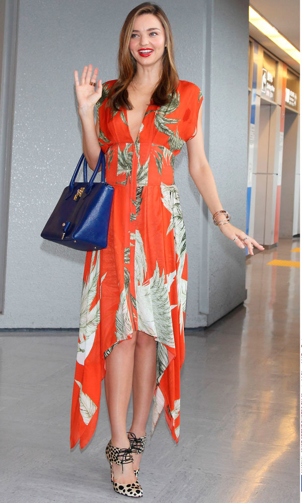 Miranda Kerr steps out in oriental inspired dress