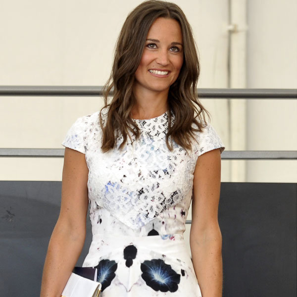 Pippa Middleton and the Queen meet Prince Cambridge!