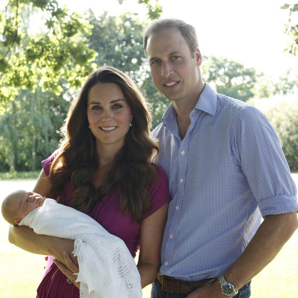 Kate Middleton wears £46 dress for Prince George's first official portrait